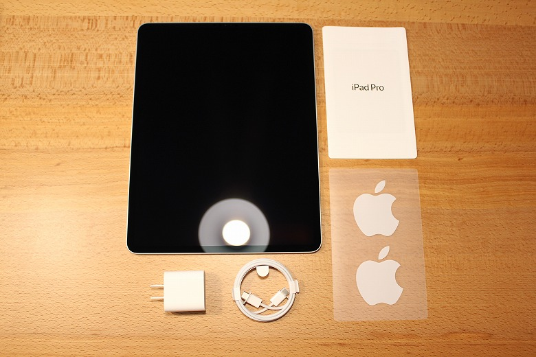 Apple iPad Pro 12.9インチ 2020年モデル 同梱物