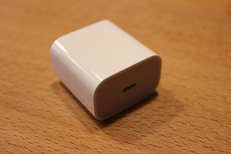 Apple iPad Pro 12.9インチ 2020年モデル ACアダプター