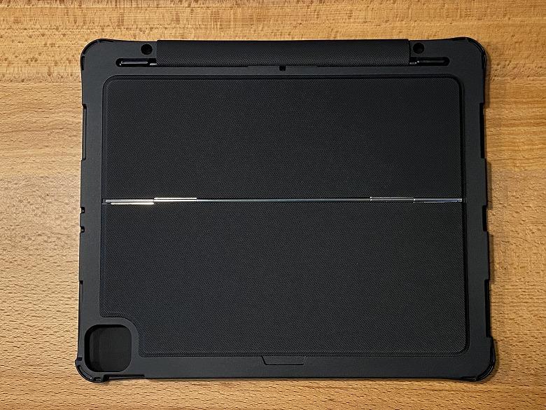 Inateck iPad Pro 12.9 キーボードケース ケース側外装