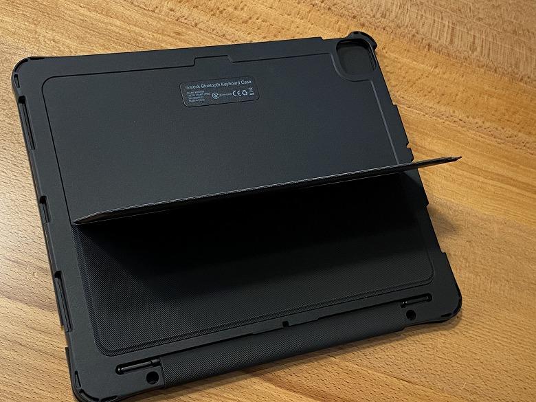 Inateck iPad Pro 12.9 キーボードケース スタンド起こし