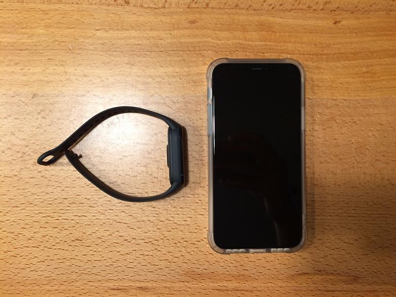 Xiaomi Mi Band 5 スマホと比較