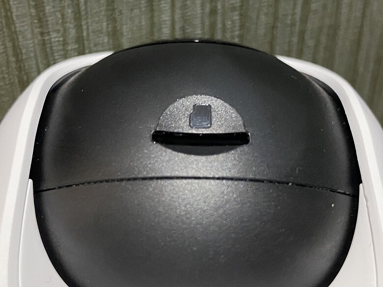 Eufy IndoorCam 2K Pan & Tilt microSDカードスロット