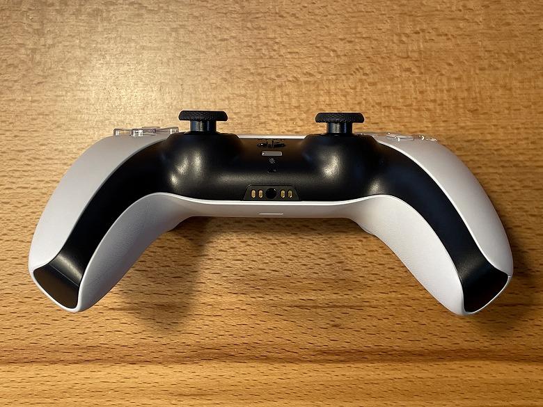 PlayStation 5 ヘッドホン端子とマイク