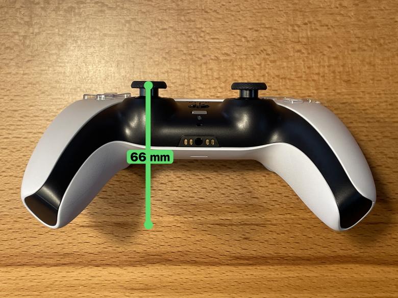 PlayStation 5 コントローラー厚さ