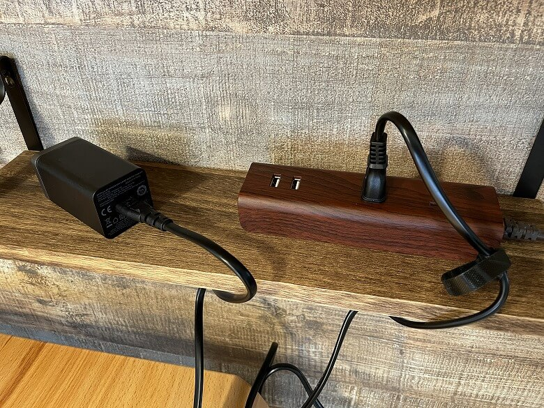 RAVPower RP-PC136 コンセントと接続
