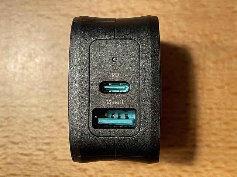 RAVPower RP-PC144 USBポート