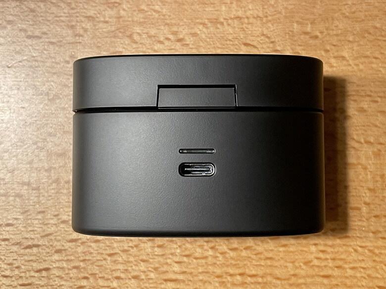 radius HP-V500BT 充電ケース背面