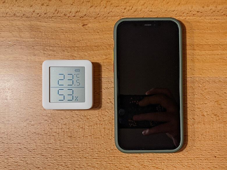 SwitchBot温湿度計 スマホと比較