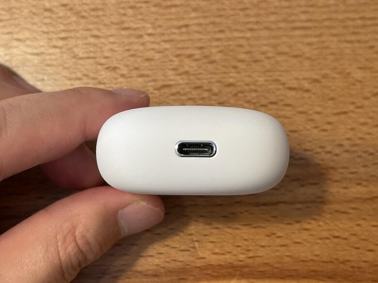 TaoTronics SoundLiberty S10 Pro USBポート