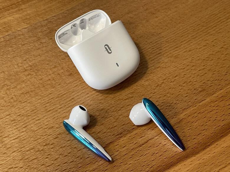 TaoTronics SoundLiberty S10 Pro イヤホン取り出し