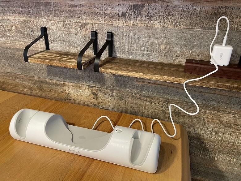 Anker Charging Dock for Oculus Quest 2 電源に接続