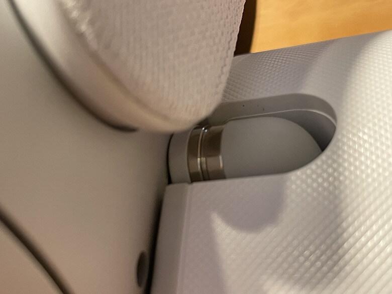 Anker Charging Dock for Oculus Quest 2 プラグ接続