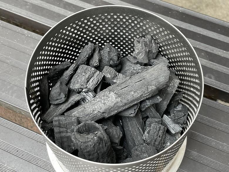 ハーフェレジャパン ロータスグリル チャコールコンテナーに木炭
