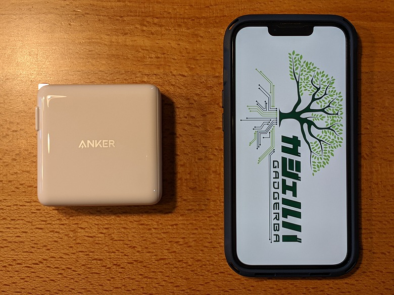 Anker PowerPort III 2-Port 100W スマホと比較