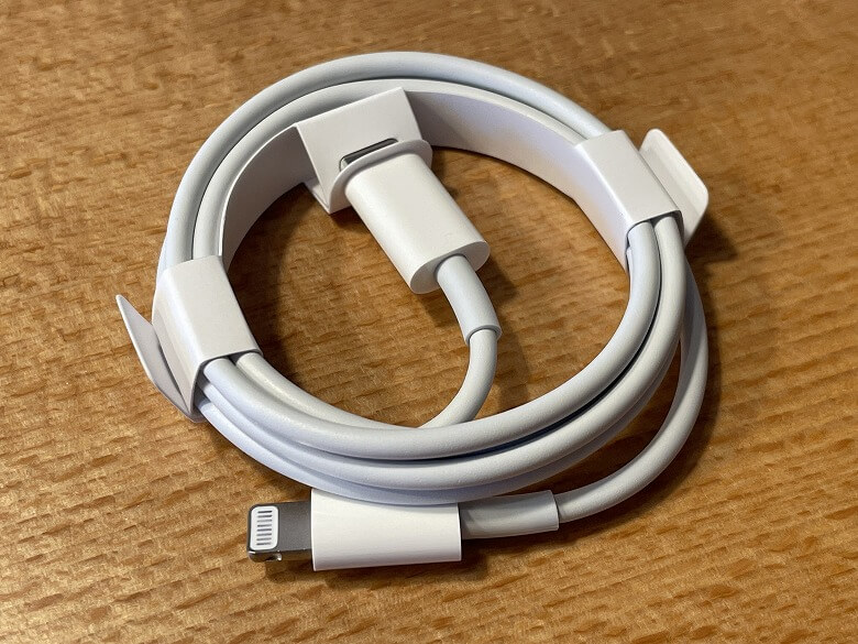 iPhone 13 Pro Lightningケーブル