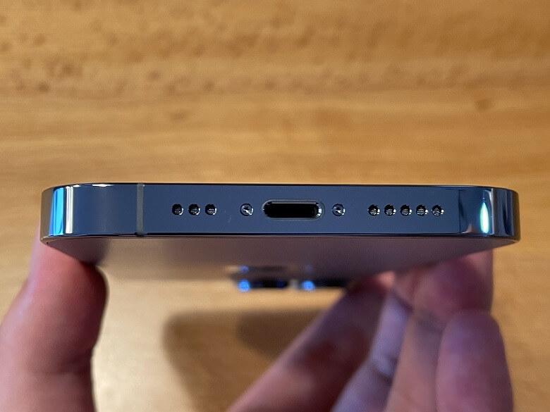 iPhone 13 Pro Lightningポート